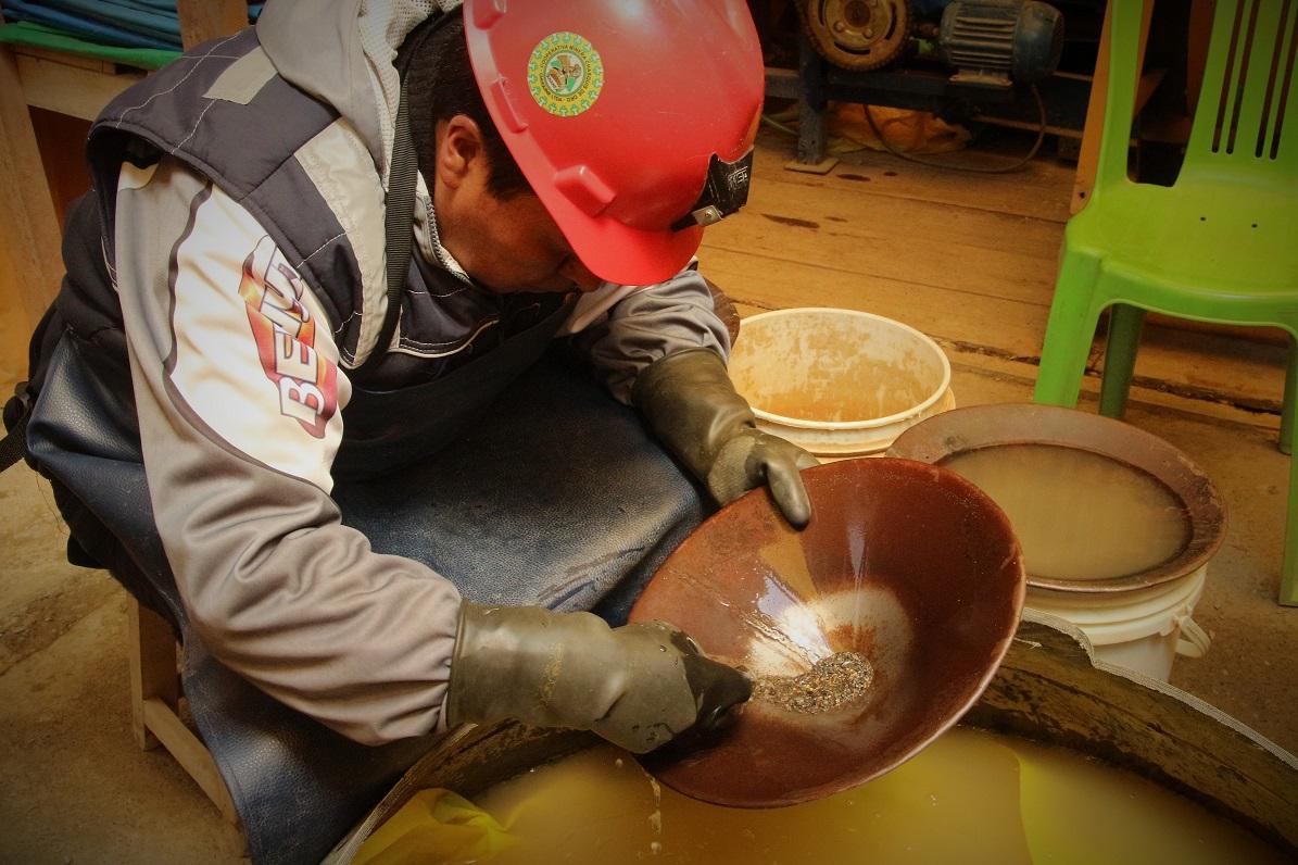 minero a pequeña escala peru