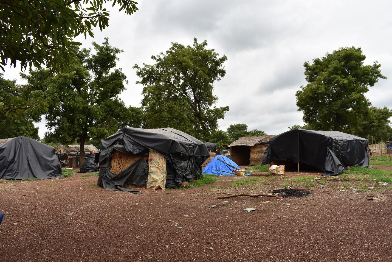 Instalaciones de vivienda para mineros en el sitio.