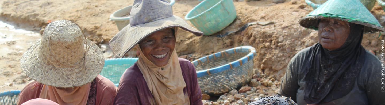 Mujeres mineras indonesias