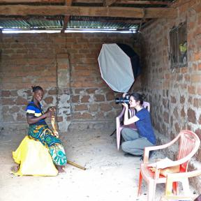 Solidaridad image: The Golden Line photo shoot with woman miner