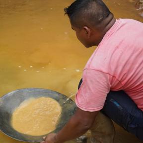 Guyana minero con pan