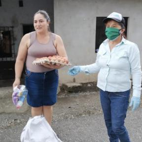 Campaña de apoyo a las jancheras en Camilo Ponce Enríquez