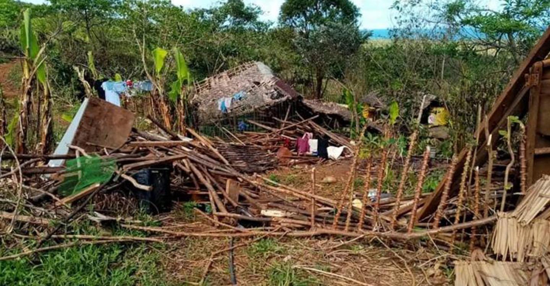 Daños por tifón en Camarines Norte - Arlene Gálvez